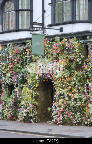 The Ivy Chelsea Garden restaurant wildflower inspired floral display in Kings road for Chelsea in Bloom 2019. Chelsea, London, England - Stock Photo