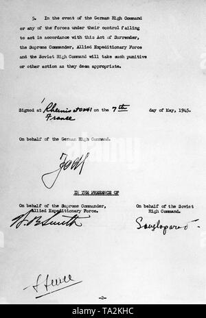 Second page of the document of surrender of the Wehrmacht in Reims, which was signed at the headquarters of General Eisenhower by General Jodl on behalf of the German Wehrmacht. - Stock Photo