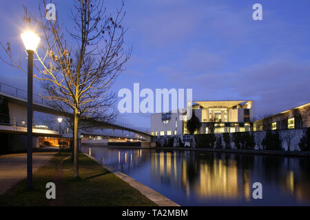 German Chancellery (Bundeskanzleramt) on the banks of the River Spree, Berlin, Germany. - Stock Photo