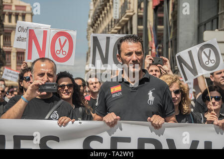 Workers from the Cordoba prison went to Madrid to participate in the demonstration called by the association 'Your abandonment can kill me', to show - Stock Photo