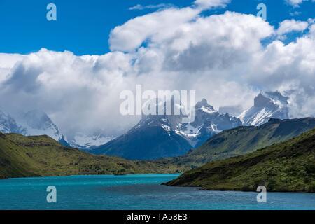 Rio Paine with the Cuernos del Paine, Torres del Paine National Park, Region de Magallanes, Patagonia, Chile - Stock Photo