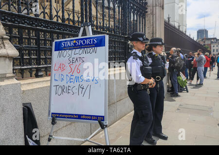 London, UK. 22nd May, 2019. Betting odds on the European Election results outside Parliament in Westminster as Prime Minister Theresa May attempts to present a new Brexit Deal with concessions to MPs at the House of Commons Credit: amer ghazzal/Alamy Live News - Stock Photo