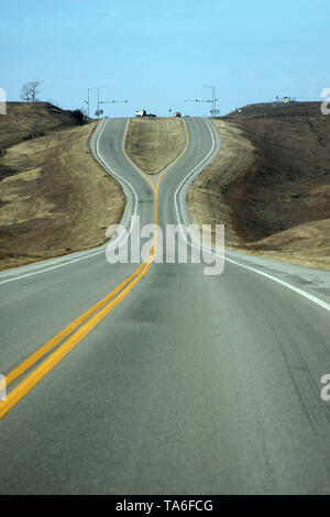 Divided highway in Oklahoma, USA - Stock Photo