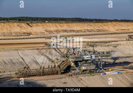 Overburden excavator, brown coal opencast mining Cottbus the north, Jänschwalde, Brandenburg, Germany, Abraumbagger, Braunkohle Tagebau Cottbus Nord,  - Stock Photo