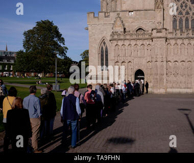 Exeter, UK. 22nd May, 2019. Queue to go in to Hustings at Exeter Cathedral. Credit: Anthony Collins/Alamy Live News - Stock Photo