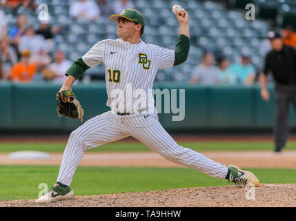 Oklahoma City, OK, USA. 22nd May, 2019. Baylor pitcher Ryan Leckich (10) delivers a pitch during a 2019 Phillips 66 Big 12 Baseball Championship first round game between the Oklahoma Sooners and the Baylor Bears at Chickasaw Bricktown Ballpark in Oklahoma City, OK. Gray Siegel/CSM/Alamy Live News - Stock Photo