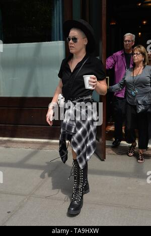New York, NY, USA. 22nd May, 2019. Pink out and about for Celebrity Candids - WED, New York, NY May 22, 2019. Credit: Kristin Callahan/Everett Collection/Alamy Live News - Stock Photo