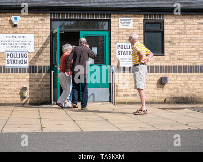 Willingham Cambridgeshire, UK. 23rd May, 2019. Voting takes place in the European Elections in a village just outside Cambridge at the Ploughman's Hall, a local community centre. The Cambridge area voted to Remain run the Brexit referendum. Credit: Julian Eales/Alamy Live News