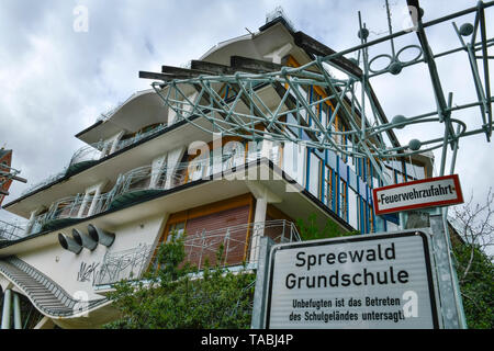 Spreewald elementary school, Pallasstrasse, beauty's mountain, Berlin, Germany, Spreewaldgrundschule, Pallasstraße, Schöneberg, Deutschland - Stock Photo