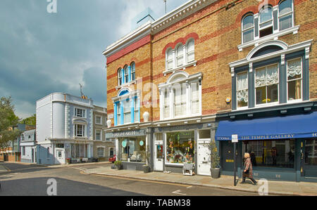 LONDON NOTTING HILL BRICK HOUSES IN CLARENDON CROSS WITH TRIPLE ARCHED WINDOWS - Stock Photo
