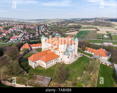 NOWY WISNICZ, POLAND - APRIL 25, 2019: Aerial view of Renaissance and Baroque Castle in Nowy Wisnicz, near Tarnow, in spring scenery,Poland. - Stock Photo