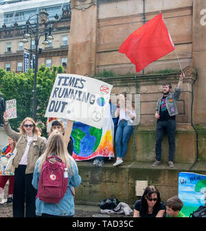 Glasgow, Scotland, UK. 24th May 2019. The second Youth Strike 4 Climate change protest in Glasgow. - Stock Photo