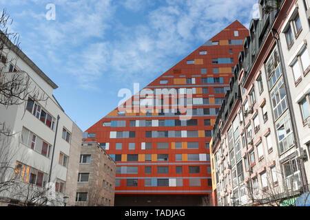 Slovenia, Ljubljana, view to facade of R5 residential building - Stock Photo