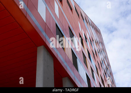 Slovenia, Ljubljana, part of reed facade of R5 residential building - Stock Photo