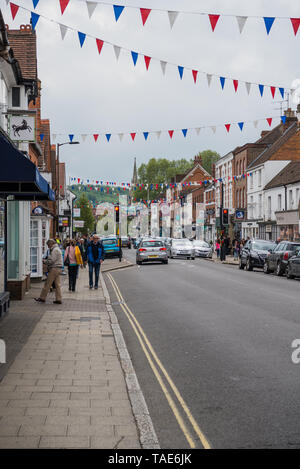 View of Marlow High street towards the bridge. - Stock Photo