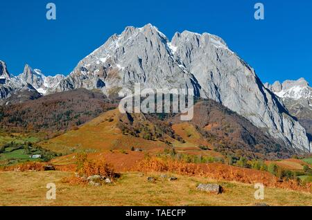 The Billare and the Three Kings Table, Lescun Circus in autumn, Aspe Valley, Pyrenees, France - Stock Photo