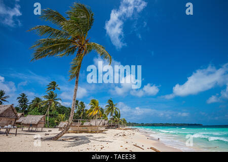 Tara Pacific expedition - november 2017 Yanaba Island, Egum Atoll Village and beach, Papua New Guinea - Stock Photo