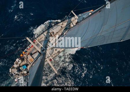 Tara Oceans Expeditions - May 2011. sailing Tara; Guayaquil-Galapagos lag; Ecuador - Stock Photo