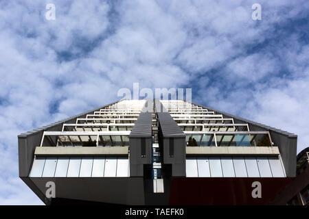 Slovenia, Ljubljana, R5 residential building - Stock Photo