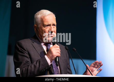 Vaclav Klaus, former President of the Czech Republic from 2003 to 2013, at the Brexit party rally at Olympia just before the European elections. - Stock Photo