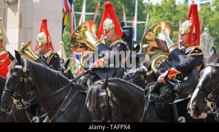 Westminster, London, UK. 25th May, 2019. Soldiers and horses of the Household division, take part in the The Major General's Review along The Mall outside Buckingham Palace, the first of two parades ahead of the Trooping the Colour Queen's Birthday Parade in June. Credit: Imageplotter/Alamy Live News - Stock Photo