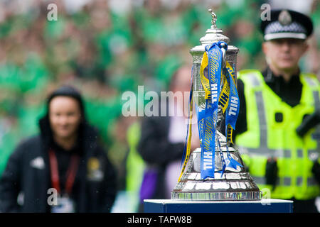 Glasgow, Scotland, May 25th 2019. The Scottish cup before the William Hill Scottish Cup final between Celtic and Hearts at Hampden Park on May 25th 2019 in Glasgow, Scotland. Editorial use only, licence required for commercial use. No use in Betting, games or a single club/league/player publication. Credit: Scottish Borders Media/Alamy Live News - Stock Photo