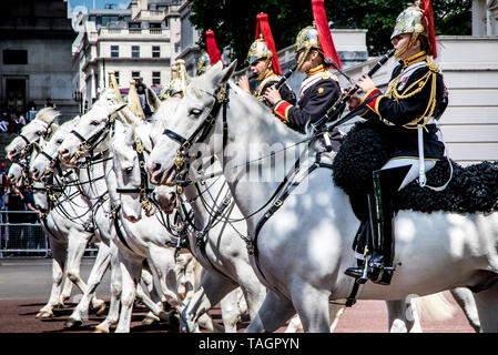 Horse Guards Parade, Westminster, London, UK. 25th May 2019. Major General Bathurst Trooping of the Colours review Horse Guards Parade. This first review precedes that by Her Majesty Queen Elizabeth II on the 8th June 2019. The trooping and salute formerly celebrates the Queens Birthday. - Stock Photo