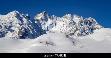 France, Hautes-Alpes (05), Col du Lautaret, Ecrins National Park - Winter panoramic view on Glacier du Lautaret, Glacier de l'Homme and Bec de l'Homme - Stock Photo