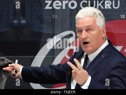 Bratislava, Slovakia. 25th May, 2019. BRATISLAVA, SLOVAKIA - MAY 25, 2019: Milos Riha, head coach of the Czech men's national ice hockey team, during the 2019 IIHF Ice Hockey World Championship semifinal match between Canada and the Czech Republic at Ondrej Nepela Arena. Alexander Demianchuk/TASS Credit: ITAR-TASS News Agency/Alamy Live News - Stock Photo