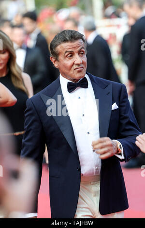 CANNES - MAY 25:  Sylvester Stallone arrives to the premiere of ' CÉRÉMONIE DE CLOTURE / HORS NORMES ' during the 2019 Cannes Film Festival on May 25, 2019 at Palais des Festivals in Cannes, France. (Photo by Lyvans Boolaky/imageSPACE/MediaPunch) - Stock Photo