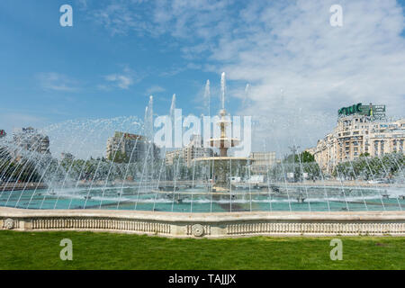 the beautiful fountain in the middle of Piața Unirii in the city centre of Bucharest București, Romania - Stock Photo