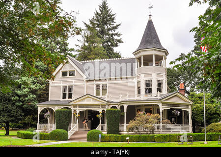 Historical George Marshall House. George Marshall (later a General) lived here when he commanded the Vancouver Barracks in the 1930s. - Stock Photo