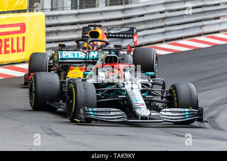 Monte Carlo/Monaco - 26/05/2019 - #44 Lewis HAMILTON (GBR, Mercedes, W10) leading in front of #33 Max VERSTAPPEN (NDL, Red Bull Racing, RB15) during t Stock Photo