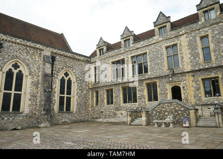 Gothic Great Hall of Winchester Castle, where is hunging an imitation Arthurian Round Table in Winchester, Hampshire, England, United Kingdom. - Stock Photo