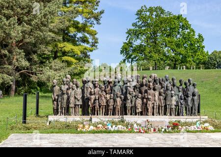Památník dětským obětem války, Památník Lidice (vyhlazení 10.6. 1942), Lidice, Středočeský kraj, Česká republika / Lidice Memorial, village Lidice (an - Stock Photo