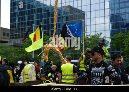 Brussels, Belgium. 26th May, 2019.  Yellow vests gather at Brussels-North railway station to stage a demonstration. Credit: ALEXANDROS MICHAILIDIS/Alamy Live News  - Stock Photo