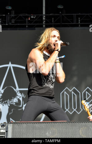 Napa, California, May 25, 2019, Taylor Hawkins of Chevy Metal on stage at the 2019 Bottle Rock Festival, Day 2 BottleRock Credit: Ken Howard/Alamy Credit: Ken Howard/Alamy Live News - Stock Photo