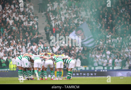 25th May 2019, Hampden Park, Glasgow, Scotland; Scottish Football Cup Final, Heart of Midlothian versus Celtic; Celtic players in a pre match huddle - Stock Photo
