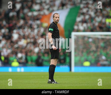 25th May 2019, Hampden Park, Glasgow, Scotland; Scottish Football Cup Final, Heart of Midlothian versus Celtic; Referee Willie Collum watches the action - Stock Photo