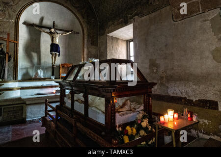 Interior of the San Nicolas Tolentino Temple and Ex-Monastery in Actopan, Hidalgo, Mexico. The colonial church and convent  was built in 1546 and combine architectural elements from the romantic, gothic and renaissance periods. - Stock Photo