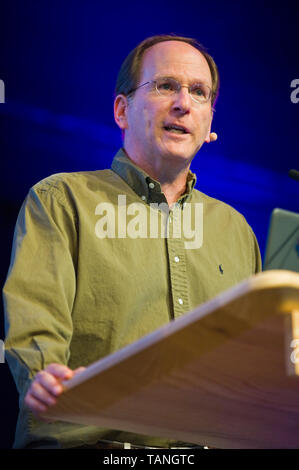 Steve Strogatz American mathematician speaking on stage at Hay Festival Hay-on-Wye Powys Wales UK - Stock Photo