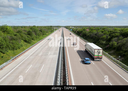 Thurland, Germany. 12th May, 2019. View on the motorway A9 in direction Berlin. Credit: Jan Woitas/dpa-Zentralbild/dpa/Alamy Live News - Stock Photo