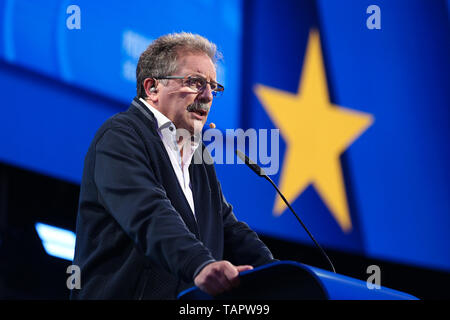 Brussels, Belgium. 27th May 2019. European Left lead candidate to the Presidency of the European Commission Nico Cue speaks at the European Parliament in Brussels, Belgium, May 27, 2019. Voters in Germany, Lithuania, Cyprus, Bulgaria, Greece and Italy cast their ballots on Sunday in elections to the European Parliament (EP). Credit: Xinhua/Alamy Live News - Stock Photo