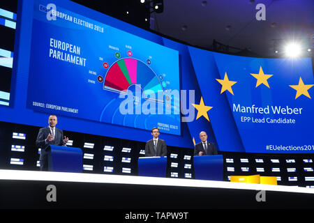 Brussels, Belgium. 27th May 2019. Manfred Weber (1st L), leader of the center-right European People's Party (EPP) group, speaks at the European Parliament in Brussels, Belgium, May 27, 2019. Voters in Germany, Lithuania, Cyprus, Bulgaria, Greece and Italy cast their ballots on Sunday in elections to the European Parliament (EP). Credit: Xinhua/Alamy Live News - Stock Photo