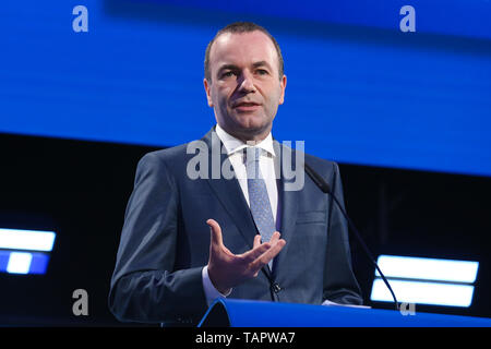 Brussels, Belgium. 27th May 2019. Manfred Weber, leader of the center-right European People's Party (EPP) group, speaks at the European Parliament in Brussels, Belgium, May 27, 2019. Voters in Germany, Lithuania, Cyprus, Bulgaria, Greece and Italy cast their ballots on Sunday in elections to the European Parliament (EP). Credit: Xinhua/Alamy Live News - Stock Photo