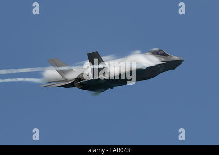MIAMI, FL -  MAY 26: The USAF Lockheed Martin F-35 Lightning II performs during the Hyundai Miami Beach Air & Sea Show as a National Salute To America's Heroes on May 26, 2019 in Miami, Florida. Credit: mpi04/MediaPunch - Stock Photo