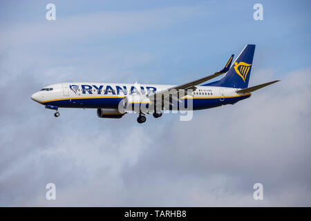 Ryanair EI-FRS, Boeing 737-8AS coming in to land at Bristol Airport - Stock Photo