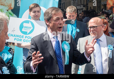 Newcastle upon Tyne, UK. 20th May 2019. UK. Nigel Farage meeting fellow Brexit Party members - Stock Photo