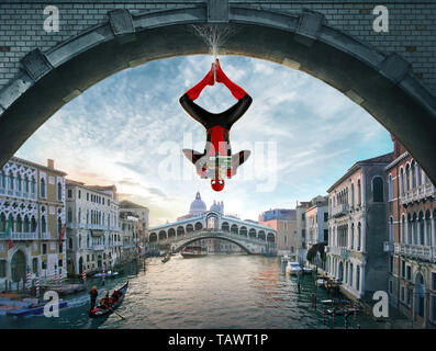 SPIDER-MAN: FAR FROM HOME 2019 de Jon Watts visuel d'affiche Tom Holland. ssuper heros; super hero; spiderman; spider-man; spider man; Venise; Venice; - Stock Photo