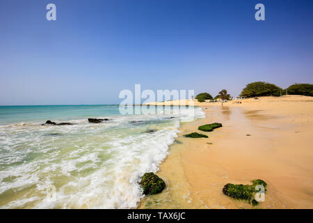 20.02.2019, Sal Rei, Boa Vista, Cape Verde Islands - Praia de Chaves, sandy beach at the beach bar, restaurant Bar Perola de Chaves. 00X190220D021CARO - Stock Photo